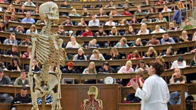 الحصول على قبول طب في ألمانيا؟